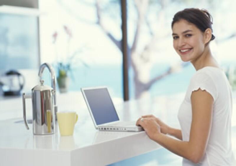 Un modelo de trabajo independiente te ofrece libertad para escoger tus horarios y proyectos. (Foto: Jupiter Images)