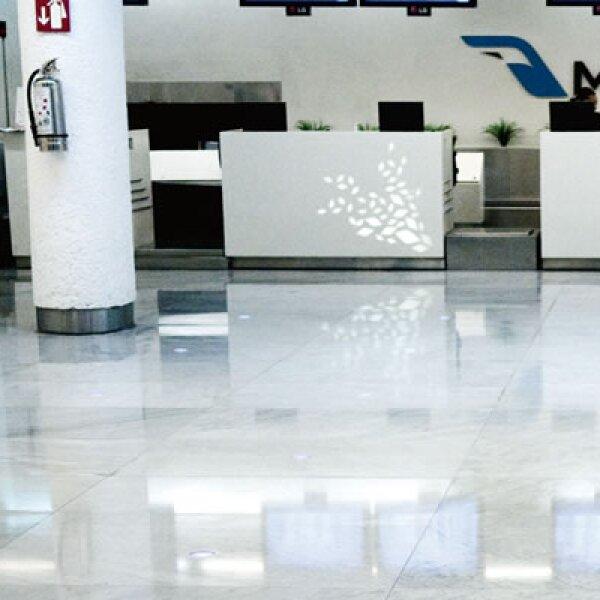 Para la tarde del 28 de agosto, los mostradores principales de mexicana se encontraban sin filas, sin gente y sin empleados.