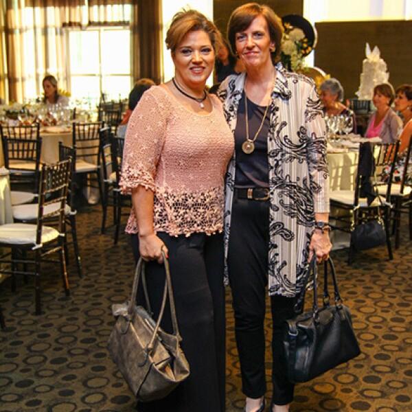 Alicia Vela Saro y Mariana Bolivar de Vela