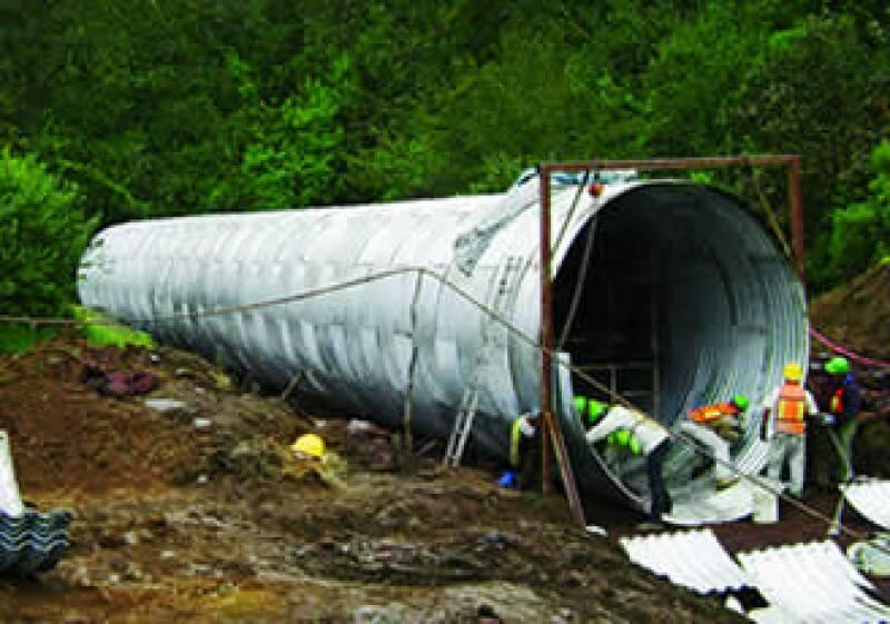 Roadtek colocó sin problema el drenaje de la vía Mazatlán-Durango... hasta que llegó a  Sinaloa. (Foto: Cortesía Roadtek)
