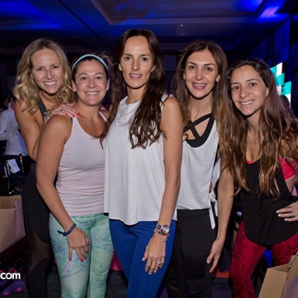 Ursula Fares, Adriana Valle, Montserrat Olivares, Victoria Sutton y Raquel Smeke