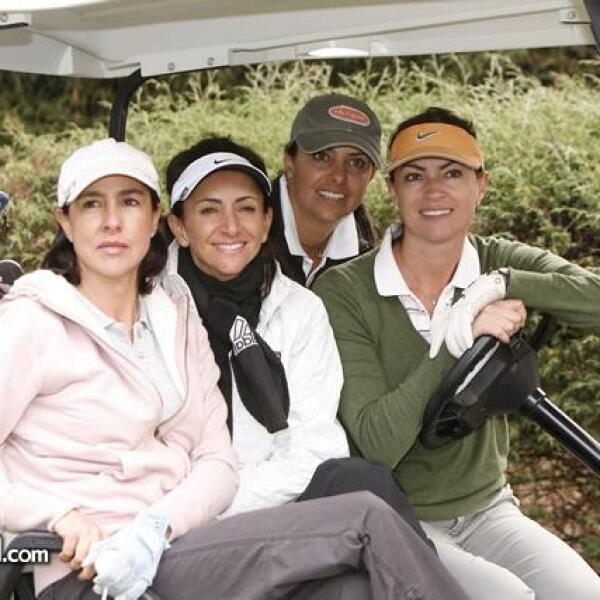 Silvia Hegewisch,Renata Chain,Alexis Chain Paulina Fajer