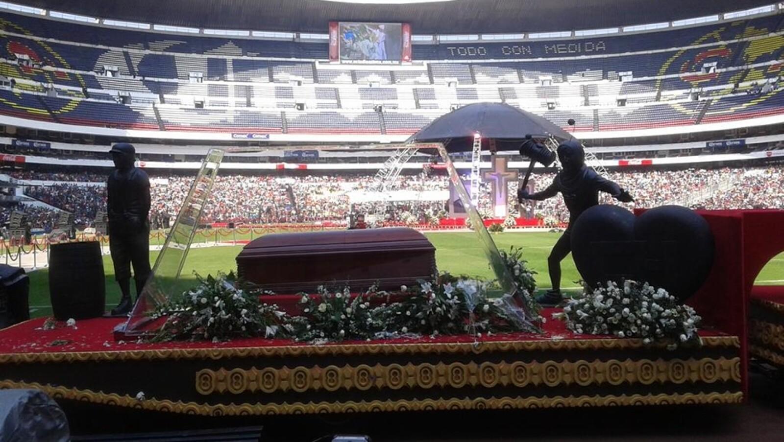 chespirito homenaje estadio azteca 12