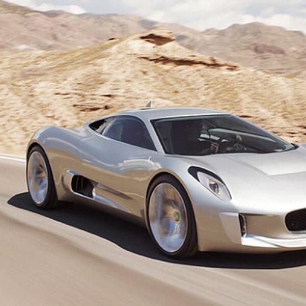 La firma automotriz presentó su modelo C-X75 en el AutoShow de París, un súper deportivo de lujo, que trabaja con 4 motores eléctricos.