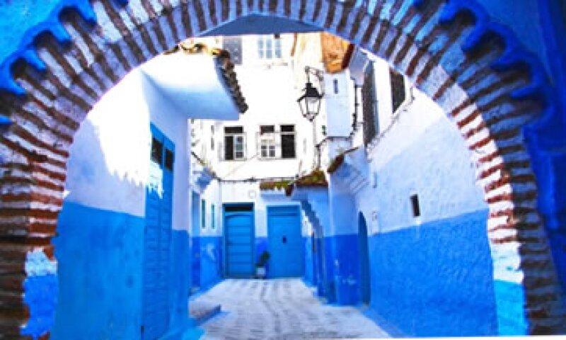 Refugiados judíos del siglo XV llevaron a la ciudad la costumbre de pintar las casas de azul como forma de representar a Dios. (Foto: Cortesía/Ian Lloyd Neubauer )