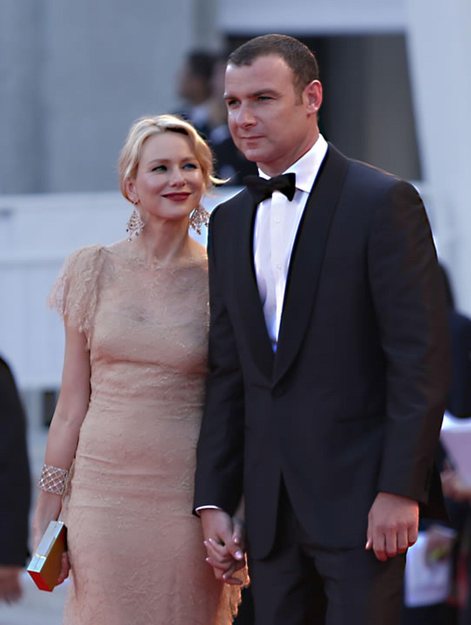 Naomi Watts con su esposo, Liev Schlieber.