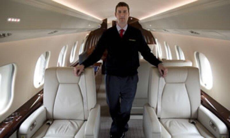 Un cliente pidió tener un vuelo sin rumbo en un jet privado durante 4 horas mientras disfruta de una fiesta. (Foto: Getty Images)