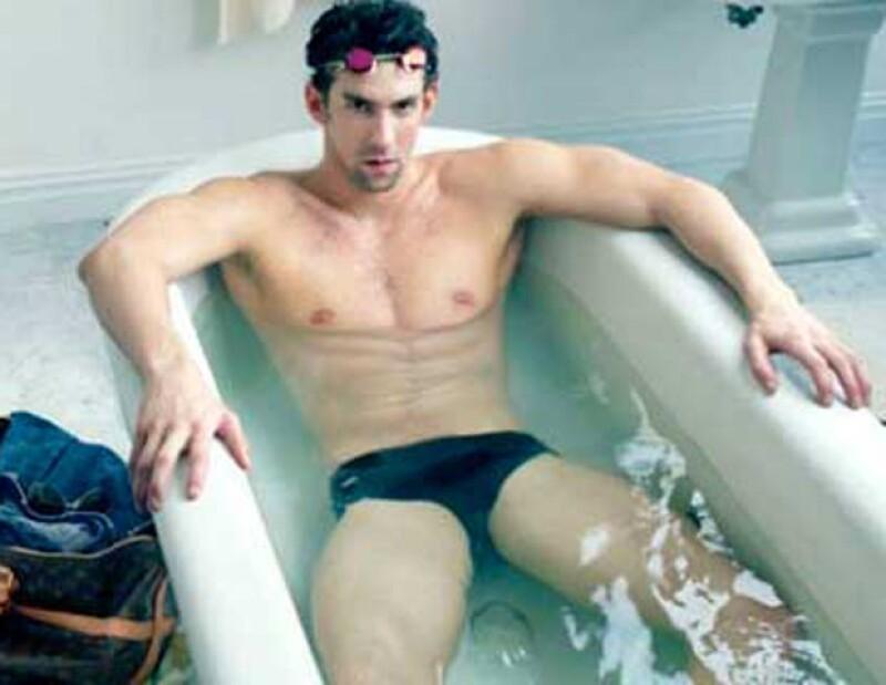 Circuló una imagen del medallista en una tina de baño que supuestamente formaba parte de la nueva campaña de Vuitton. Fue un engaño, sin embargo, sí será parte de la nueva campaña.
