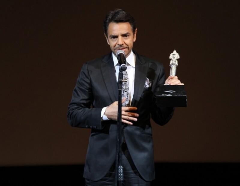 Durante su victoria en 'Las Diosas de Plata' por su ópera prima, el actor hizo énfasis en lo difícil que es hacer cine en su país.