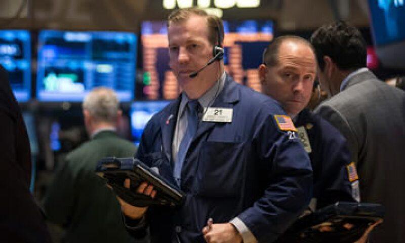 El promedio industrial Dow Jones cae 0.05%. (Foto: Reuters)