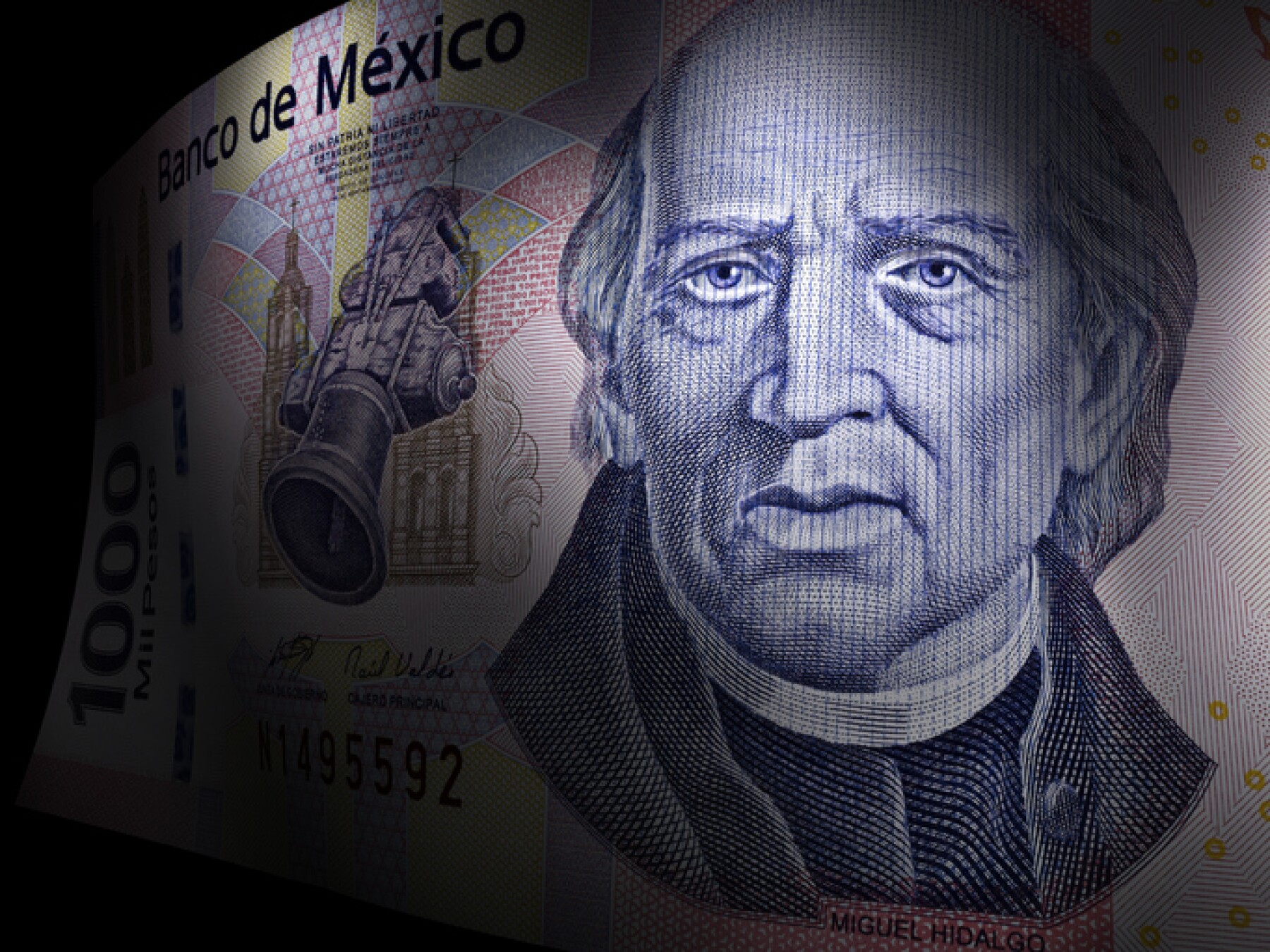 Miguel Hidalgo's close up in a thousand pesos bill