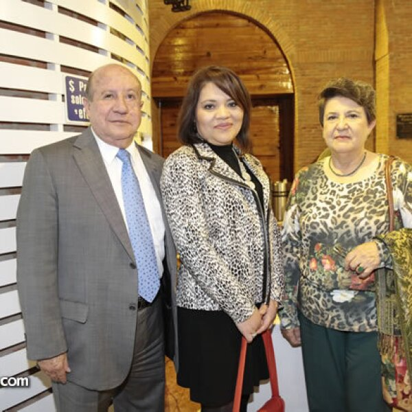 Gustavo Murrieta,Maricarmen Morales,Luz Esther