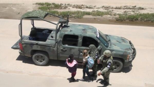 La Guardia Nacional detiene a migrantes en la frontera con EU