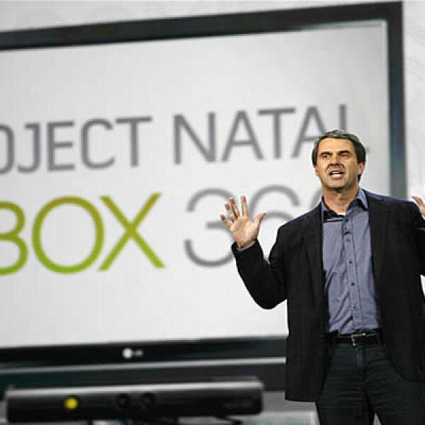 Microsoft había presentado hace unos meses este dispositivo, el cual te permite jugar utilizando tu cuerpo como control. Este aparato saldrá al mercado a  principios de diciembre.