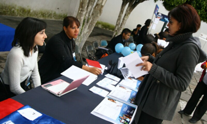 El dirigente Luis Romo afirma que deben ser los sindicatos los que establezcan las reglas sobre la transparencia. (Foto: Notimex)