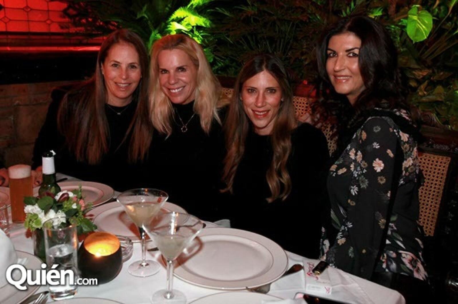 Michelle Smeke,Ariela Guindi,Claudia Schmidth y Eva Saba