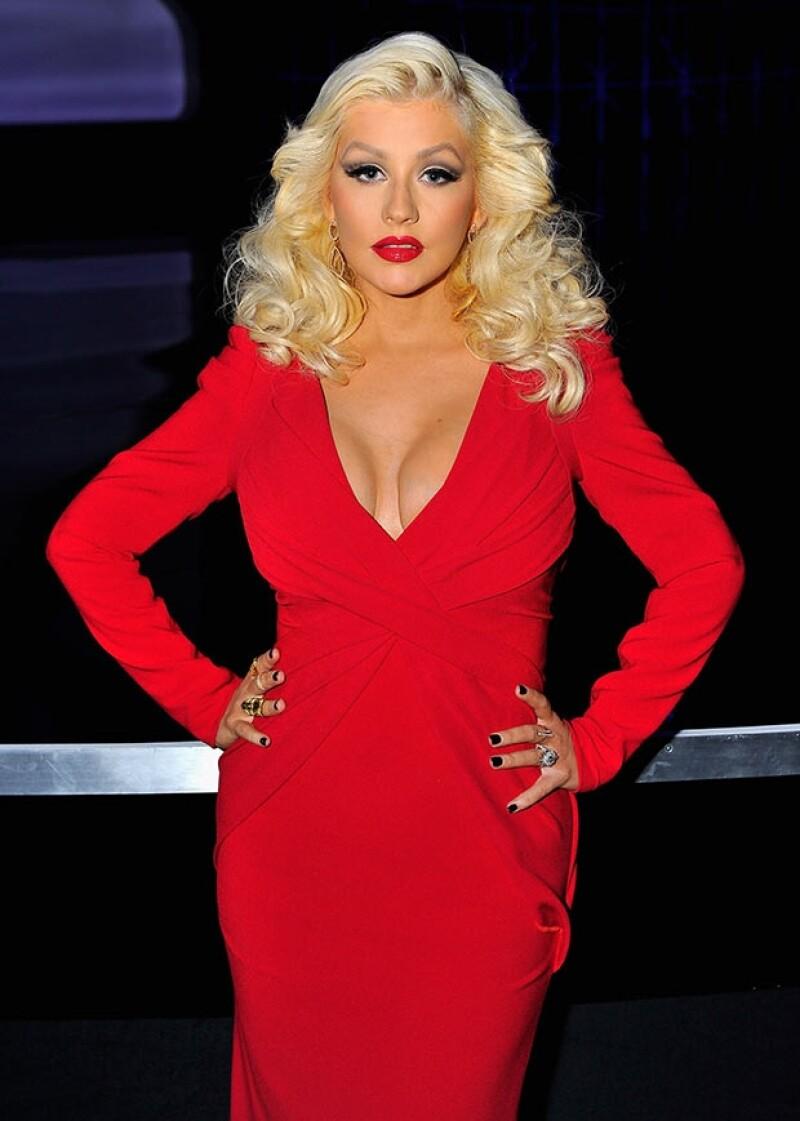 La cantante acudió a los premios Breakthrough Prize luciendo un ajustado diseño que evidenció que los kilos de más que le dejó su segundo embarazo son cosa del pasado.