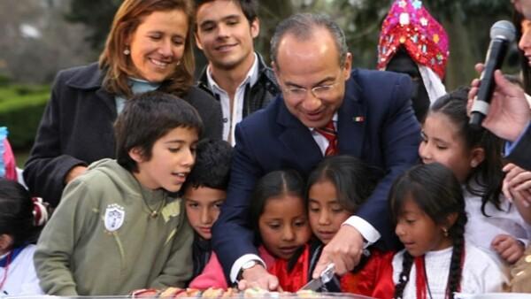 El Presidente de México y su esposa convivieron con varios pequeños de instituciones públicas y privadas. Violeta Isfel también estuvo ahí.
