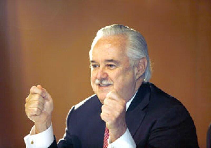 El presidente y director de Cemex, Lorenzo Zambrano, informó que prácticamente han alcanzado el objetivo de desinversiones para 2009. (Foto: Archivo/Notimex)