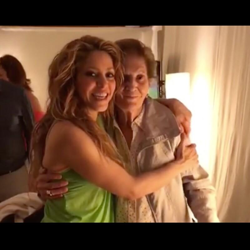 Shakira y abuela