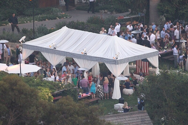 Paparazzi lograron tomar una vista aérea del rancho que rentaron para su fiesta previa a la boda.