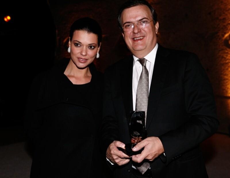 La esposa del jefe de Gobierno capitalino, Marcelo Ebrard, nos contó cómo se siente después de poco más de un año de casada.
