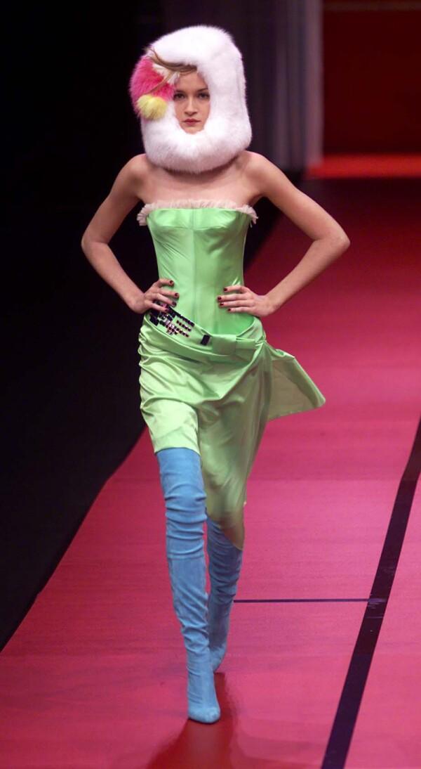 Christian Lacroix Collection Autumn/winter 2001/2 Paris Fashion Week.