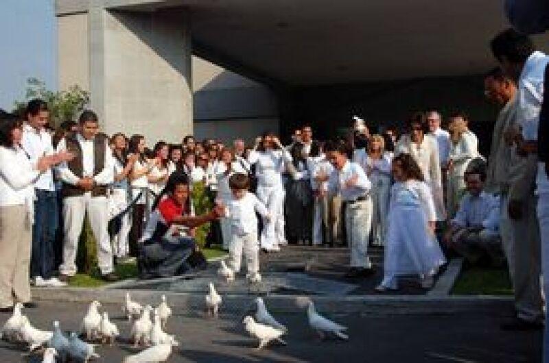 Varias palomas se soltaron en honor a Silvia y a la paz.