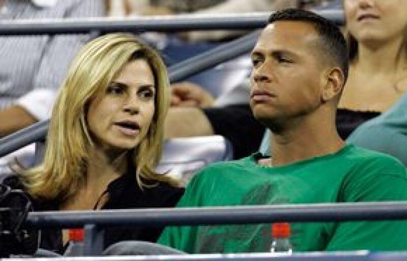 El rumor de un posible romance entre la cantante y el beisbolista creció cuando se llegaron juntos en un jet privado al Aeropuerto de Miami.