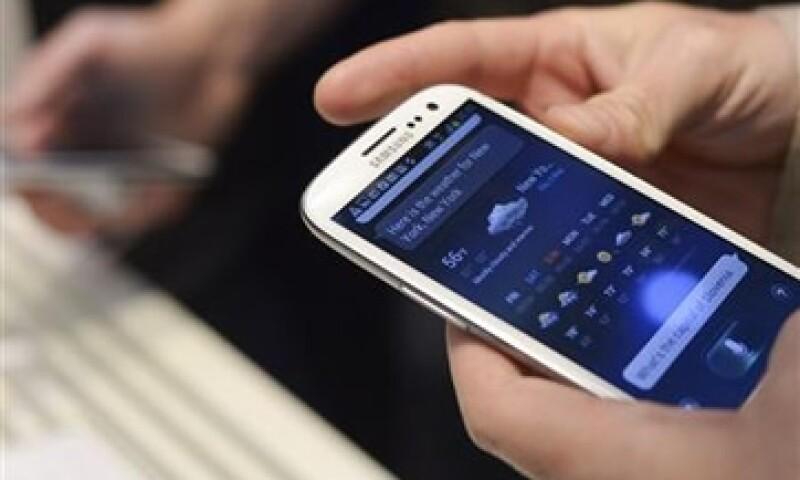 Las telefónicas mexicanas generaron más de 1,000 dólares en servicios de valor agregado en el primer trimestre de 2011. (Foto: Reuters)