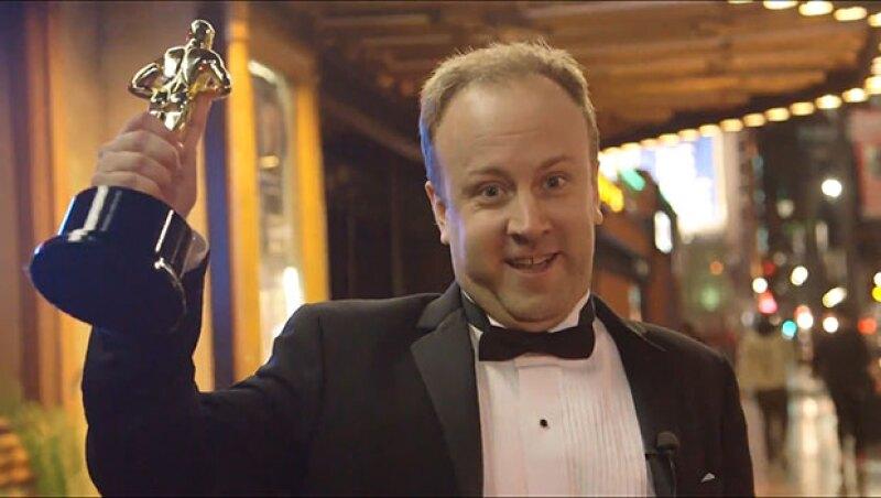 Si no lo eres, créetelo. Este hombre logró entrar a fiestas privadas, beber gratis y hasta conseguir un automóvil al hacerse pasar por un ganador de los Premios de la Academia, de una forma increíble.