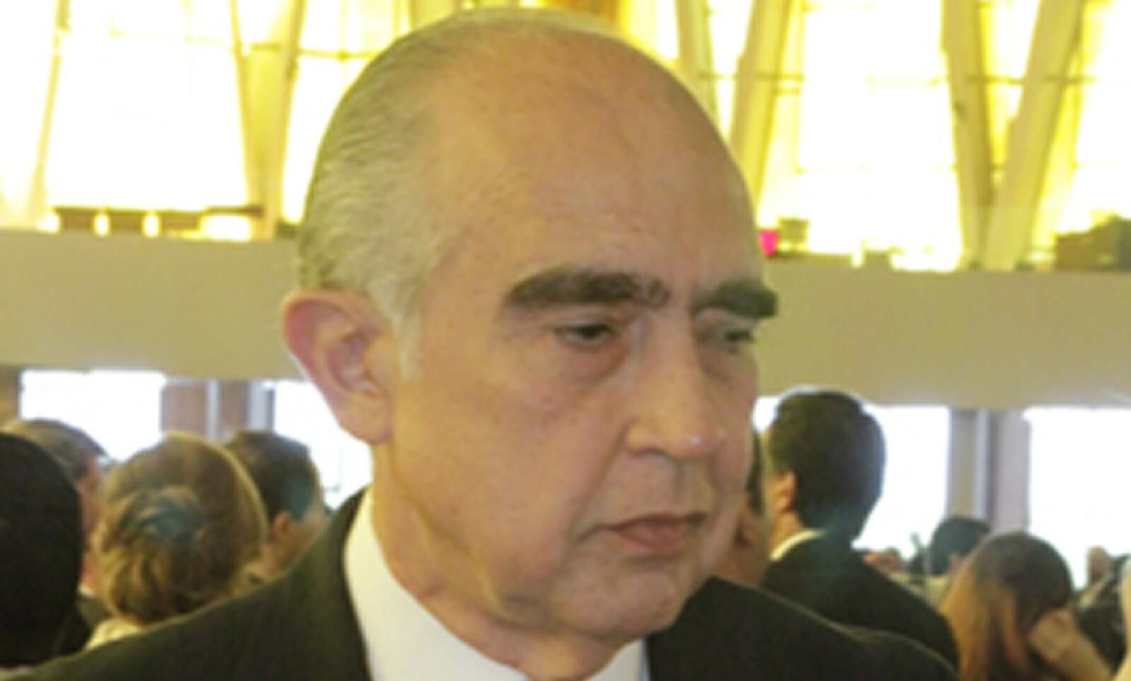 Fernando Canales Clariond, ex gobernador de Nuevo León, destacó la sencillez de quien fuera su amigo en la escuela.