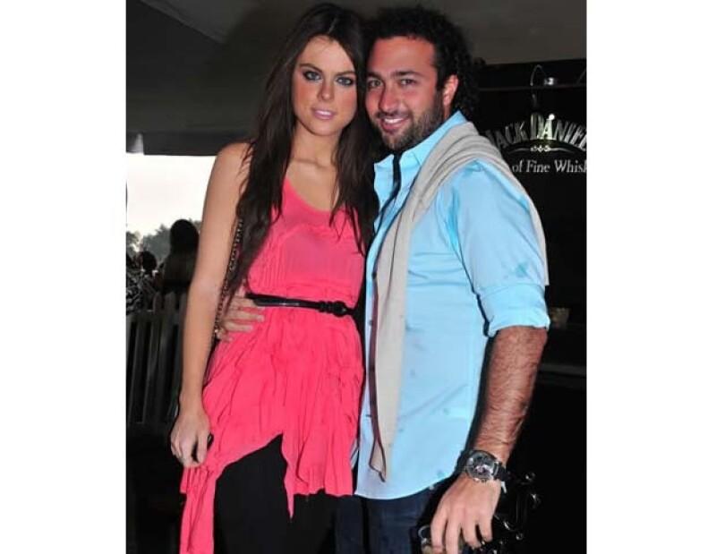 Su novio, el empresario regiomontano Daniel Cohen, la sorprendió dándole el anillo de compromiso en un yate en Miami el fin de semana.