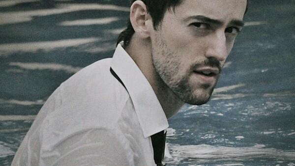 El joven actor mexicano ha demostrado su gran versatilidad al interpretar personajes totalmente opuestos, tanto en teatro y televisión.