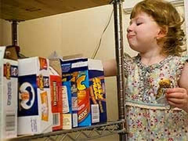 Las funciones del cerebro relacionadas con el hambre tienen mayor actividad que las de los hombres. (Foto: Archivo AP)