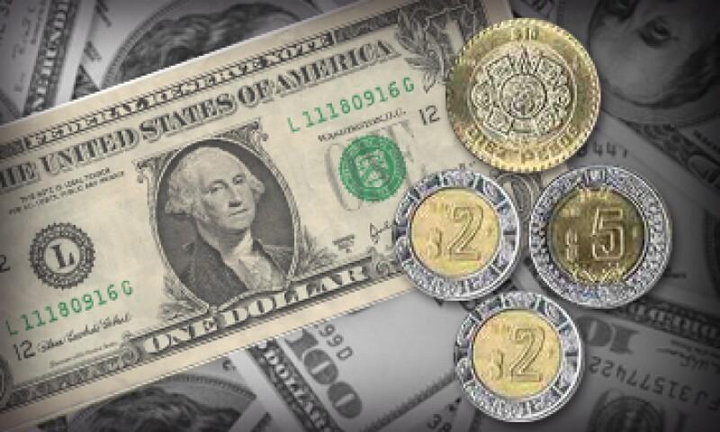 El dólar se compró en 18.30 pesos en ventanillas bancarias bancarias. (Foto: Especial)