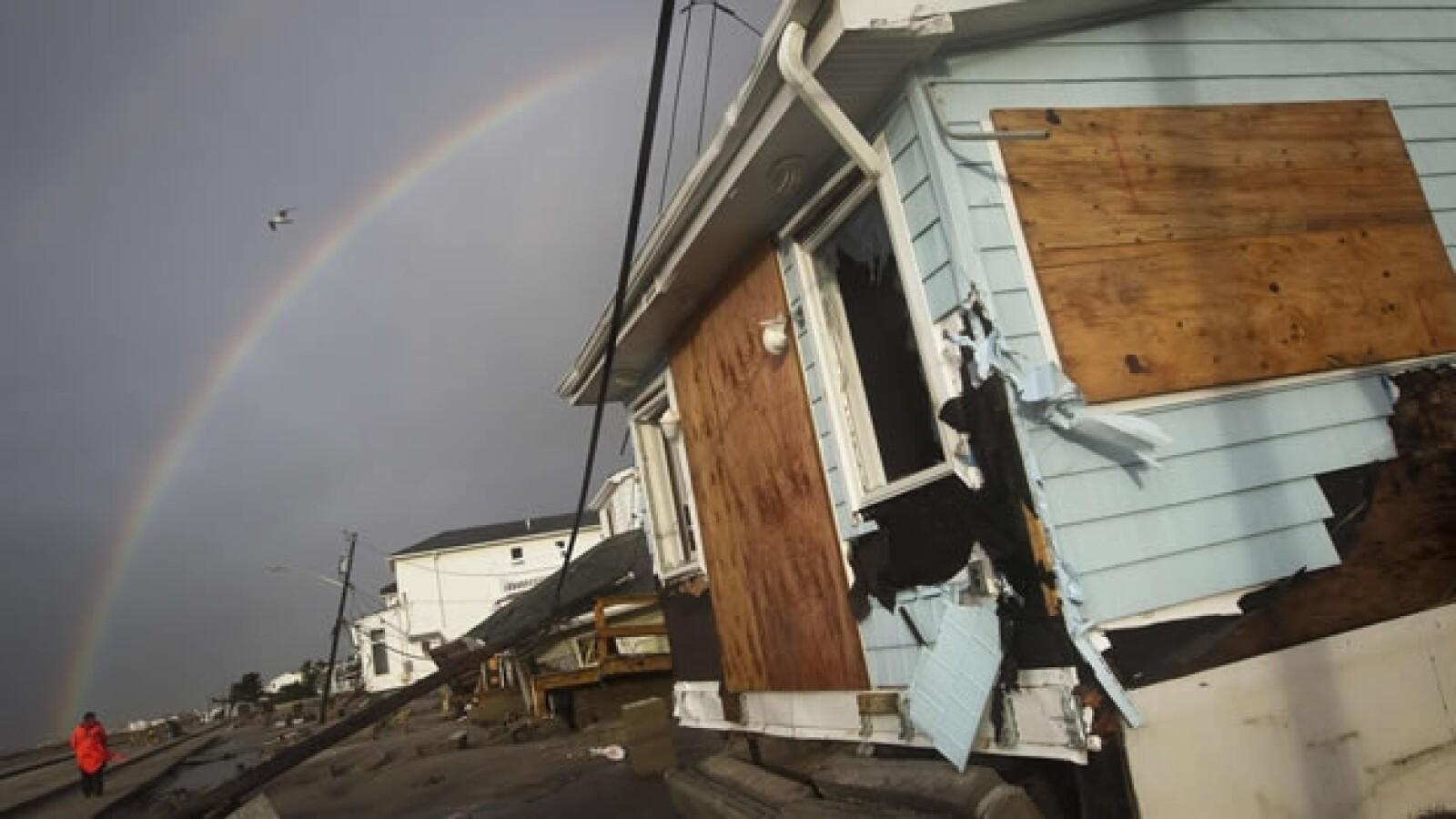 Un arcoiris se asoma en Nueva York tras Sandy