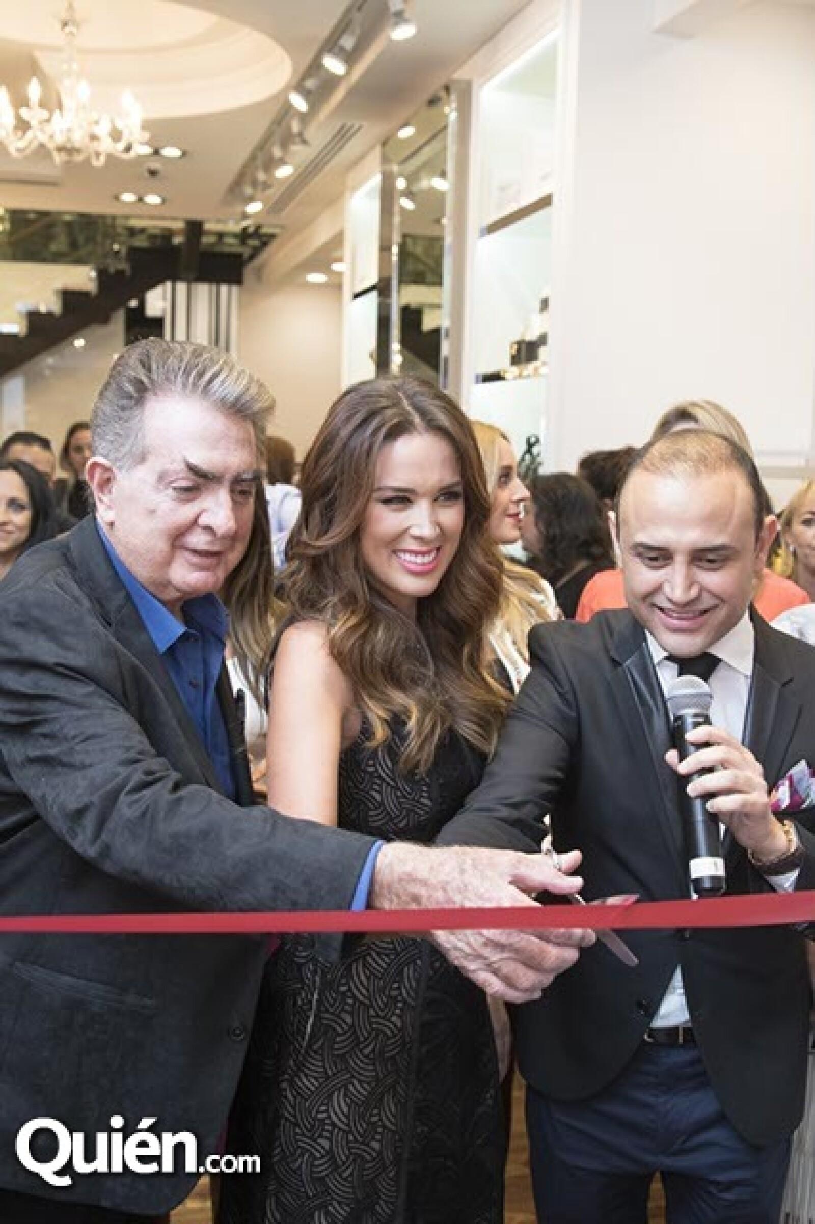 Alberto Levy,Jaqueline Bracamontes y Juan Manuel Rosas
