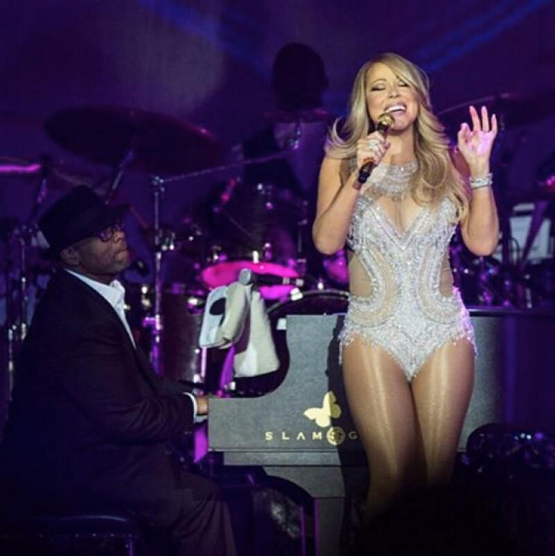 La cantante fue fuertemente criticada por exagerar la delgadez de su figura.