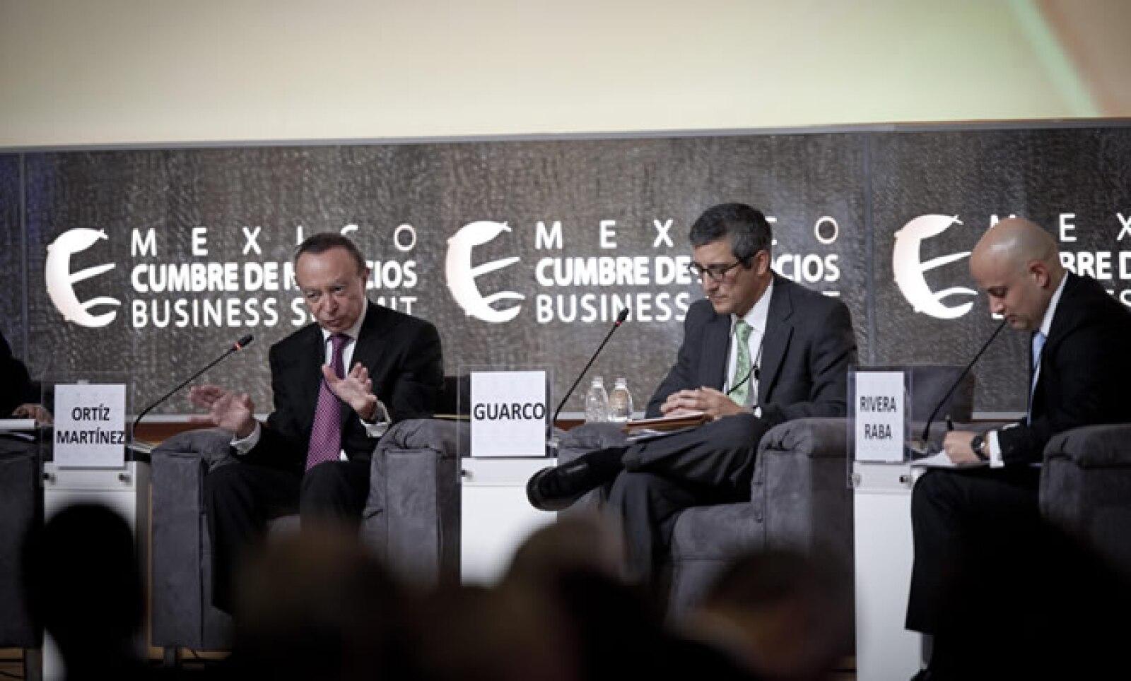 En la primera sesión del segundo día de trabajo en la Cumbre de Negocios en Querétaro participaron el presidente de Banorte, Guillermo Ortiz, y el economista en jefe para América Latina de JP, Morgan, Phil Guarco.