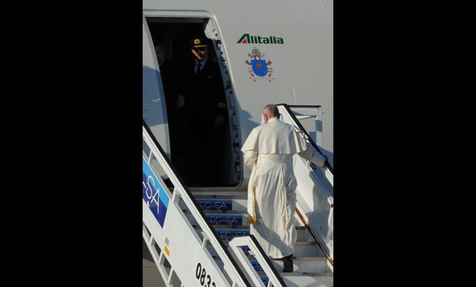 El jerarca católico salió desde Roma la mañana de este viernes, para una escala en La Habana, Cuba.