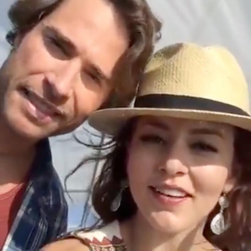 La pareja ya ha comenzado las grabaciones de la telenovela que protagonizan y un video que compartió la actriz rápidamente logró ser de lo más comentado y compartido en Facebook.