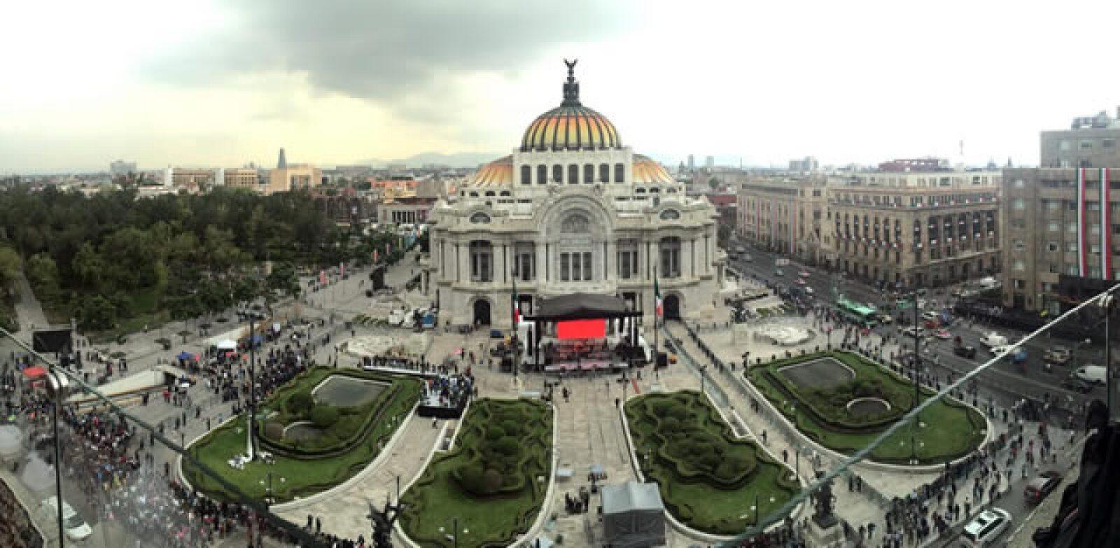 Palacio de Bellas Artes previo al homenaje a Juan Gabriel.
