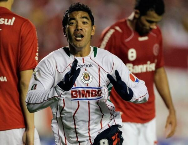 El jugador de las Chivas Marco Fabián, fue sancionado por el club y donó 50 mil pesos extra a una fundación en Ciudad Juárez.