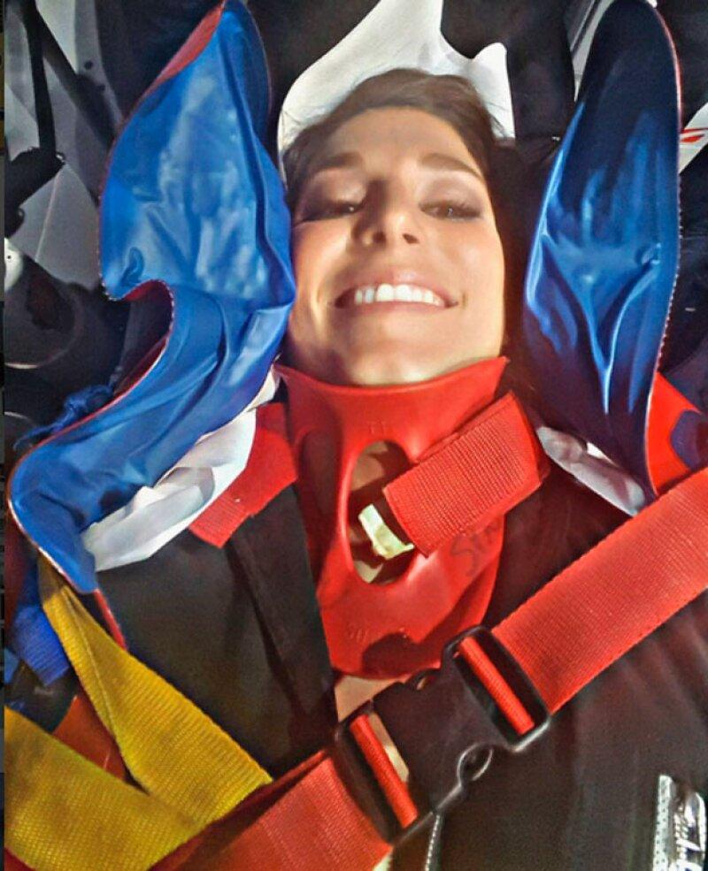 """La francesa Lauryn Thilleman perdió el control y no pudo evitarse caer del tubo, sufriendo una aparatosa caída durante la emisión de """"Vendredi Tout Est Permis""""."""