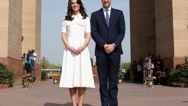 La duquesa de Cambridge es reconocida por su gran estilo al momento de escoger sus outfits y su reciente viaje a India en compañia de su marido, no fue la excepción.
