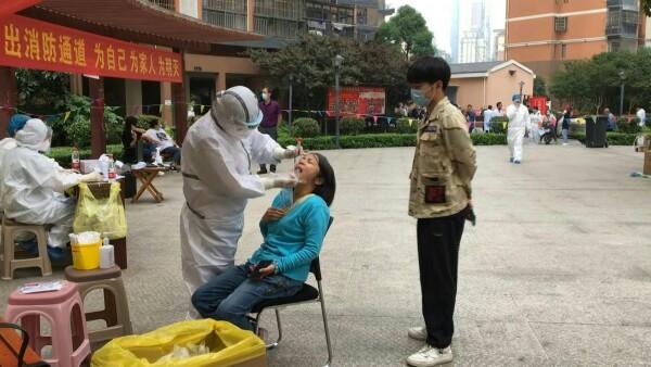 Wuhan aplica 10 millones de pruebas COVID-19 y solo 300 dan positivo