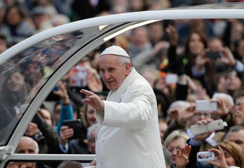 El Papa sorprendió al agilizar los trámites de anulación del matrimonio.