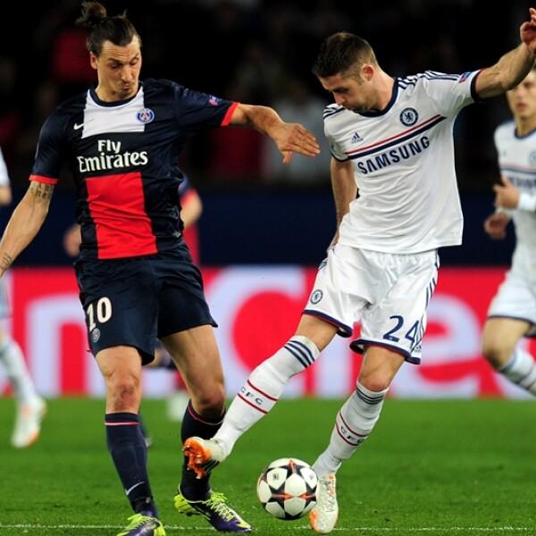 Zlatan Ibrahimovic del PSG, quién salió lesionado del partido