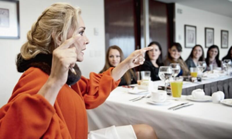 Angélica Fuentes, directora ejecutiva de Grupo Omnilife-Chivas, recomendó a 12 ejecutivas mexicanas que se rodeen de gente capaz y que tengan mucha visión. (Foto: Alex H.O)